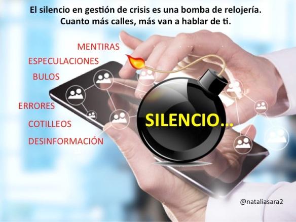 En comunicación de gestión de crisis es clave el manejo informativo desde el primer momento y ser transparentes en los datos y mensajes que se transmiten a los medios de comunicación. El silencio nunca es buen aliado, más vale estar preparado y ser proactivo a la hora de manejar qué es lo que se transmite a los diferentes stakeholders, como se ha puesto de manifiesto en la comunicación tras el accidente del piloto Fernando Alonso y la reacción de McLaren. Las redes sociales no van a callar porque tu no comuniques, hablarán más de lo que quieres evitar si no das tu versión sobre lo ocurrido de una manera rápida en función de los acontecimientos.